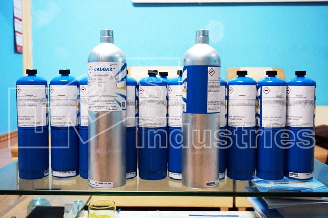 Common or available sample gas cans