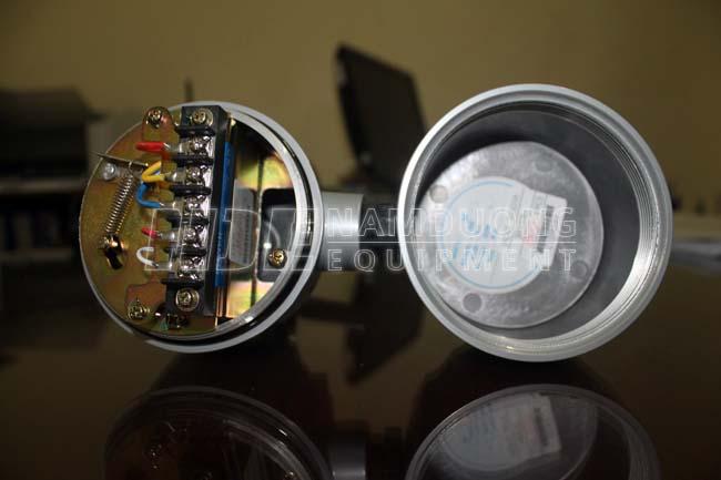 Hộp đấu nối cho cảm biến báo mức kiểu cánh quạt SE110B