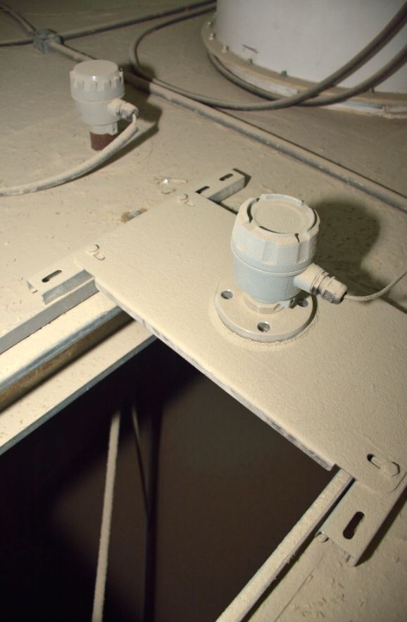 Sensors mounted in Particle Silos - 1