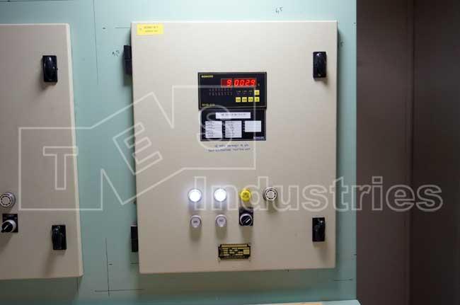 Tủ báo nhiệt độ bơm, ổ đỡ và trục xuyên vách