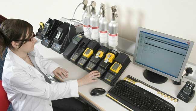 Công tác hiệu chuẩn máy đo khí