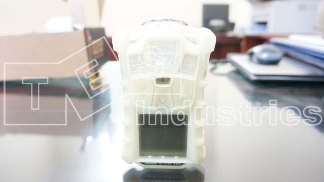 Handheld gas detector, explosive gas detector