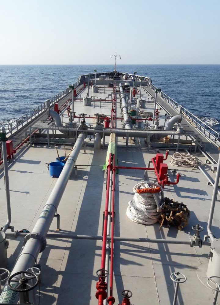 Thiết bị tàu dầu trên Hải Linh 17