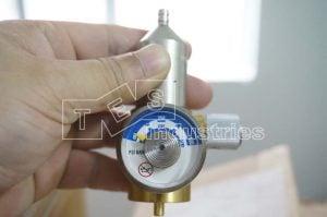Calgaz 713 Exhaust valve for standard gas cylinder
