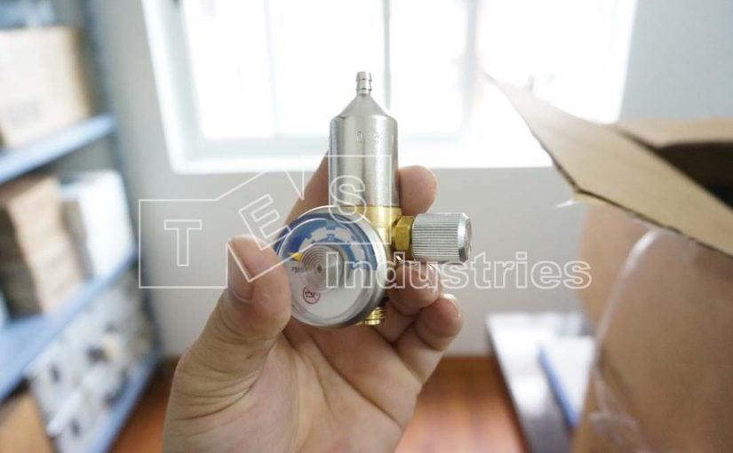 Pressure reducing valve for gas bottle 2AL/8AL, Model Calgaz 715
