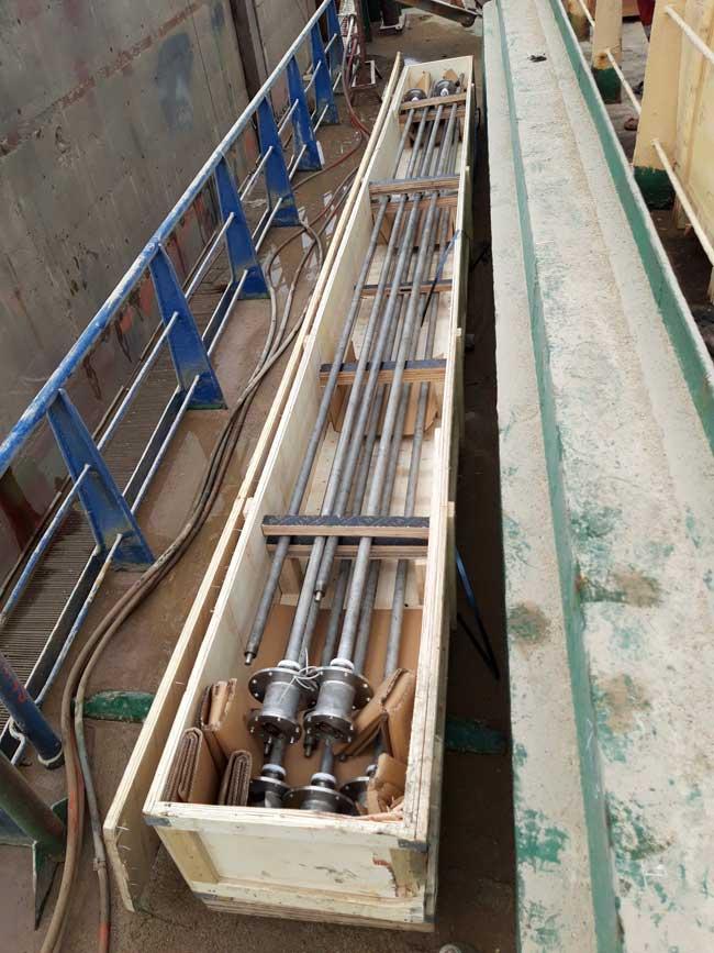 Cảm biến phao từ theo chiều cao hầm hàng, tích hợp cảm biến nhiệt độ bên trong thân phao