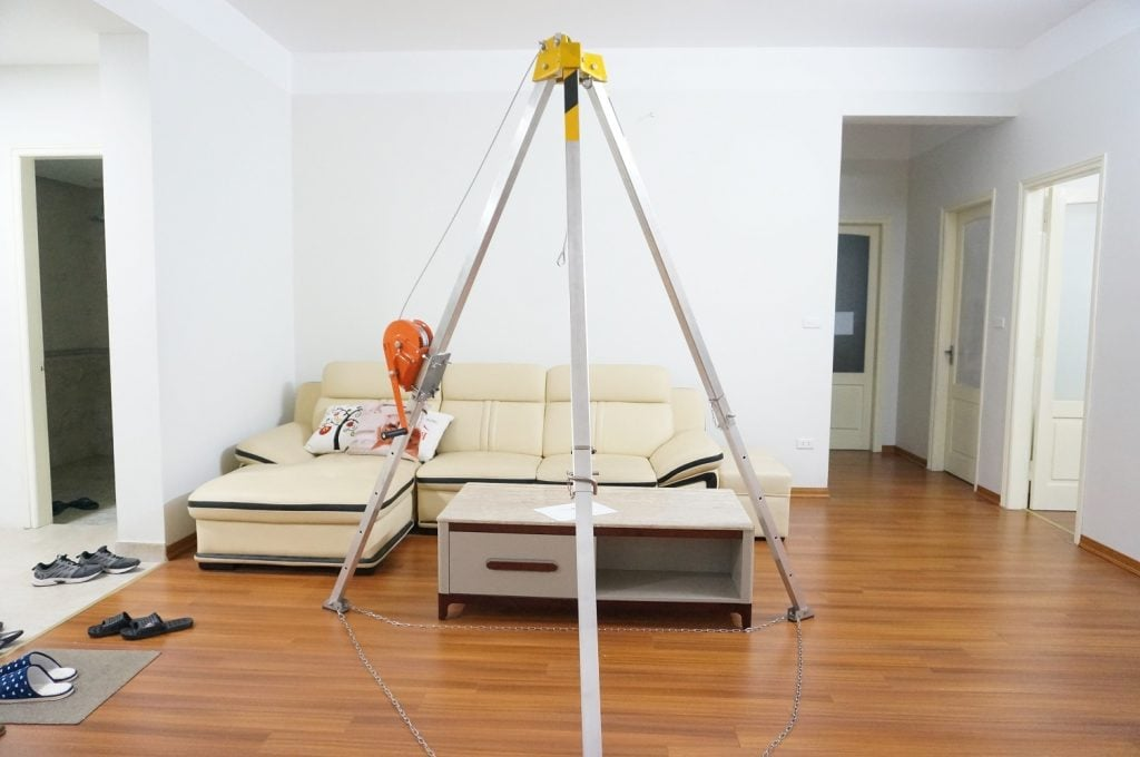 Installing a set of tripod Chinese rescue good