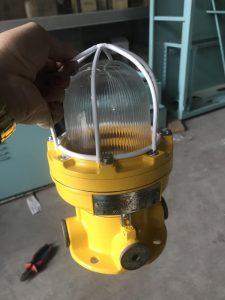 Đèn phòng nổ Warom BDD81-A100X cho tàu biển