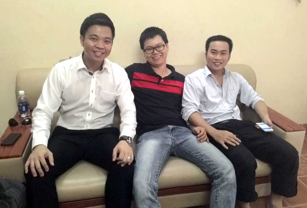 MSA Francis Yee và 2 nhân viên bán hàng của TES Industry