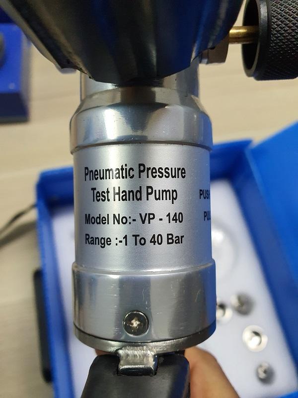 Bơm tay tạo áp VP 140 tu -1 đến 40Bar